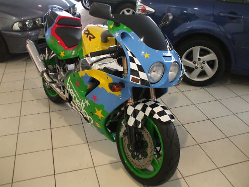 1992 kawasaki zxr 750 j1 benetton colours 2