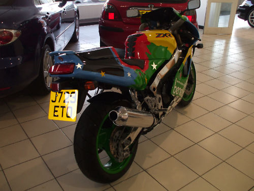 1992 kawasaki zxr 750 j1 benetton colours 4