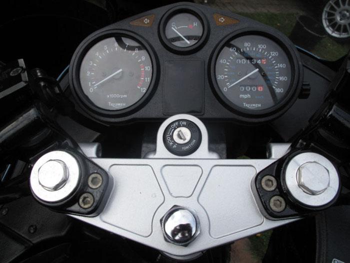 1991 Triumph Trophy 900 Speedometer