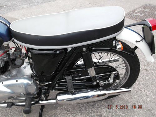 1961 Triumph 350cc 3TA Rear Wheel Exhaust Seat